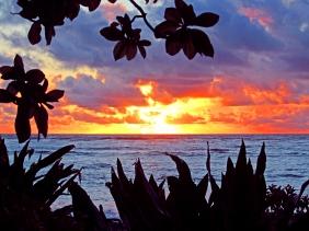 Landscape photography of a sunrise on Kauai.