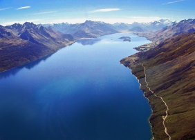 Landscape photography of a lake and mountains on the south island of New Zealand.