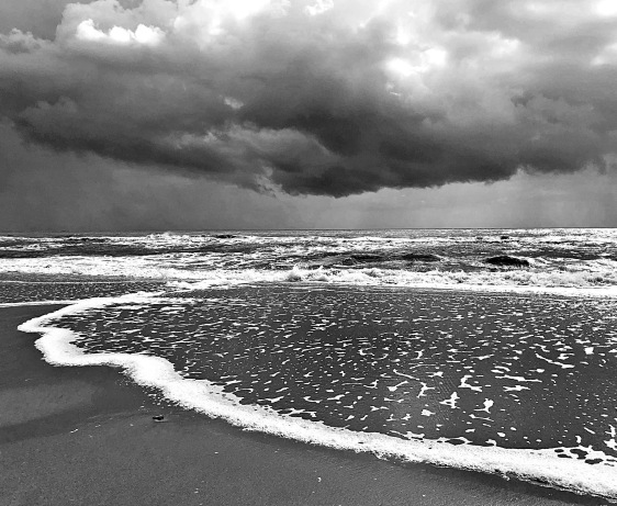 Black and white seascape photography.